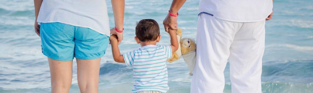 ir camping familiar en la playa con tus hijos